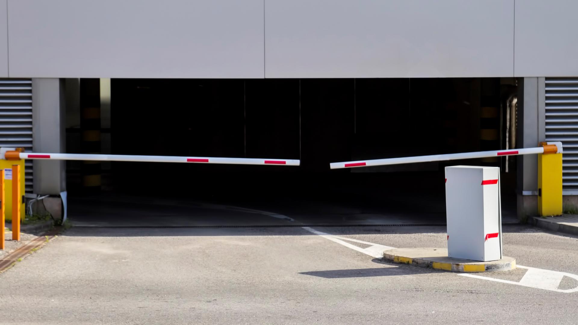 ремонтом картинки входов в паркинге посмотрели, говорят